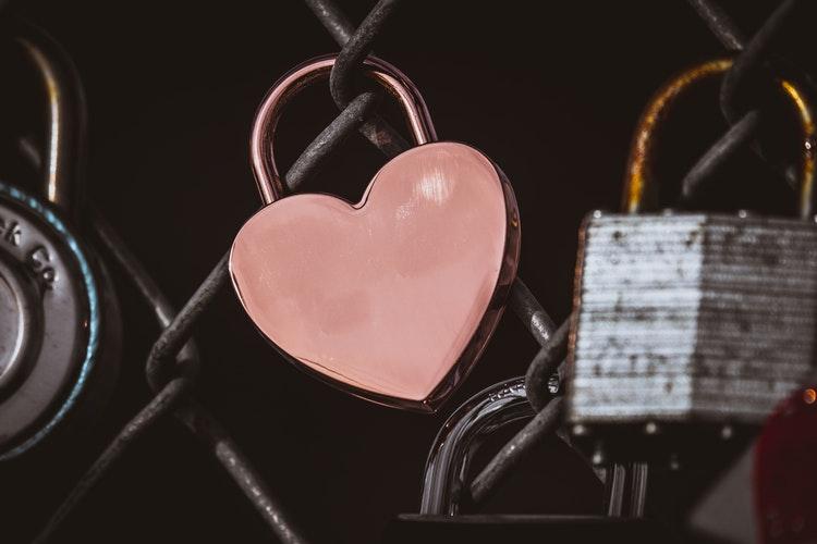 Love lock pink